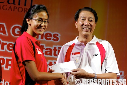 Swimmers Bryan Tay and Quah Ting Wen put in record-breaking ...