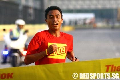 Jauhari Johan retains Nike+ Human Race 10K title « Red Sports ...