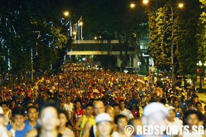 Singapore Marathon 2009 – A Picture Story « Red Sports. Always Game.