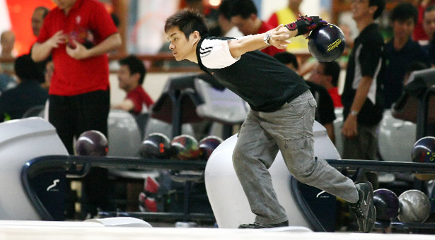 Community Games Bowling: Erick Ching of Sembawang leads with 3-game total of 652