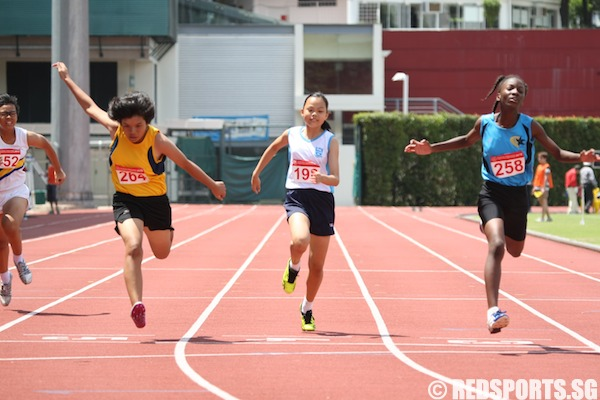 b girls 100m final