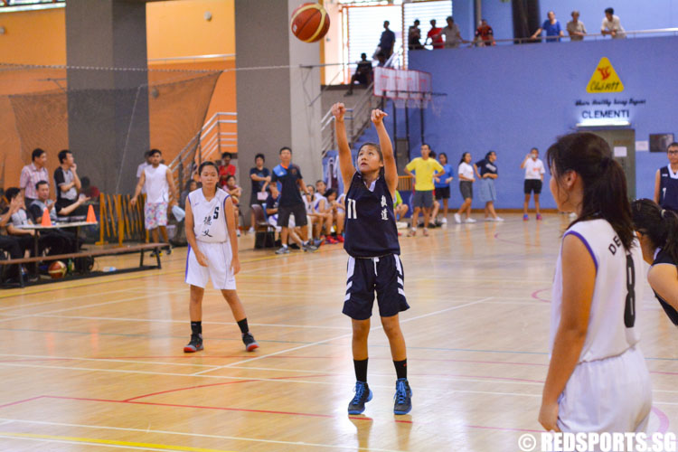 Lim Bei Xuan nailing the free throw that sealed Yishun Town's win. Bei Xuan scored 10 points to lead her team.  (Photo 1 © Zachary Foo/Red Sports)