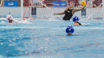 Eunice Fu (SIN #13) saves the penalty shot for Singapore. (Photo 4 © Soh Jun Wei/Red Sports)