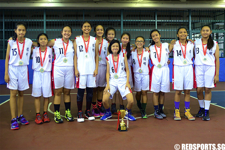 Dunman Secondary clinched the East Zone title after defeating Anglican High 57–44. (Photo 1 © Louisa Goh/Red Sports)