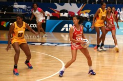 Chen Huifen of Singapore controls the play against Sri Lanka. (Photo courtesy of Netball Singapore)