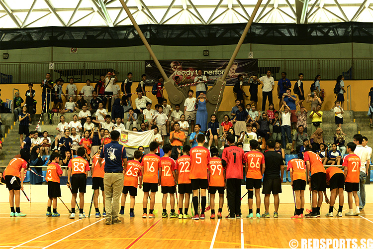 Bedok South players take a bow before their supporters after the match. (Photo 6 © Louisa Goh/Red Sports)