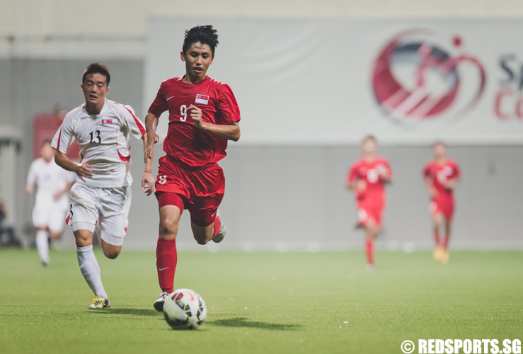 Glenn Kweh (SIN #9) in action during the 2016 Asian Football Confederation (AFC) U-16 Championship Qualifiers. (Photo 8 © Soh Jun Wei/Red Sports)
