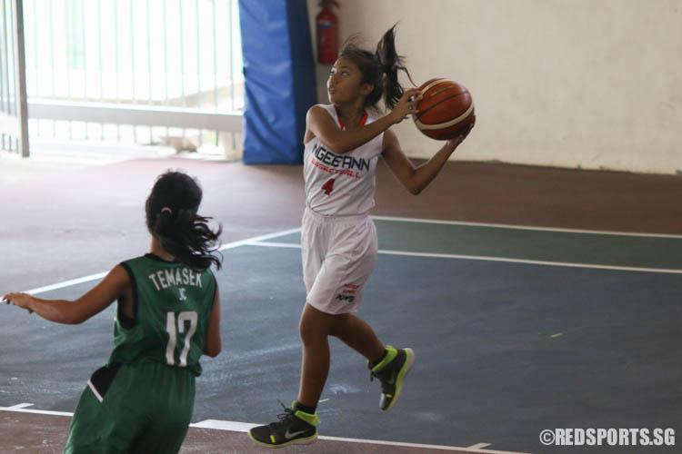 Eunice Joy Baltazar Valencia (NA #4) aims for a shot. (Photo 3 © REDintern Chua Kai Yun)