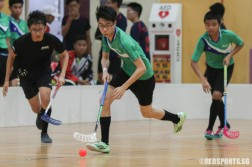 Manfred Chew (Hillgrove #3) dribbles upcourt on offence. He scored 4 goals in the game. (Photo 1 © REDintern Chua Kai Yun)