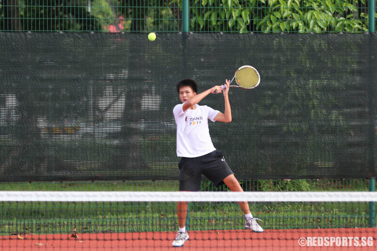 Evan Koh of ACS (Independent) plays a forehand during the 2nd Doubles. Together with Oliver Loo, the pair won the match 6-4, 6-3. (Photo 10 © Chua Kai Yun/Red Sports)