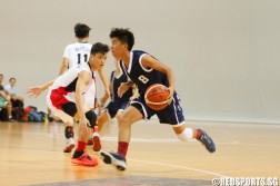 Brian Lim (Whitley #8) driving through the Bartley defense. (Photo  © REDintern Chan Hua Zheng)