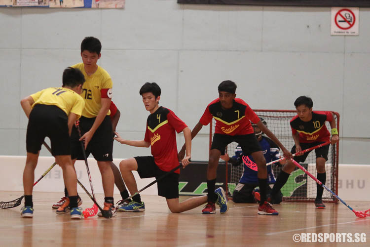 East View defenders prepares to make a clearance. (Photo © Chua Kai Yun/Red Sports)
