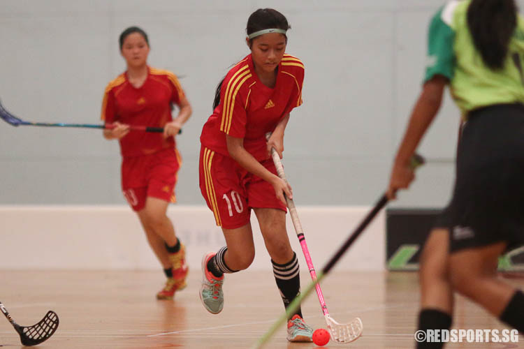 Tan Wan Ni (#10) controls the ball. (Photo © Chua Kai Yun/Red Sports)