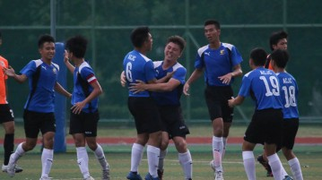Anglo-Chinese Junior College players celebrate as Devon Gammon (ACJC #8, center) scored. (Photo © Chua Kai Yun/Red Sports)