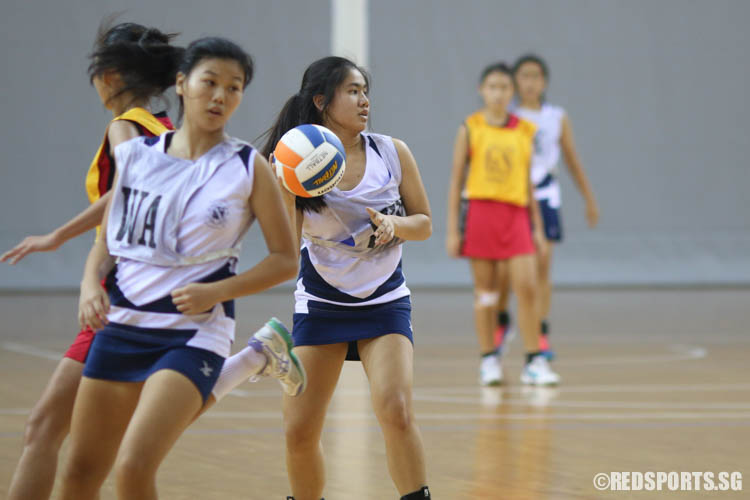 (WD) of CHIJ (Toa Payoh) plays against Dunman Secondary. (Photo © Chua Kai Yun/Red Sports)