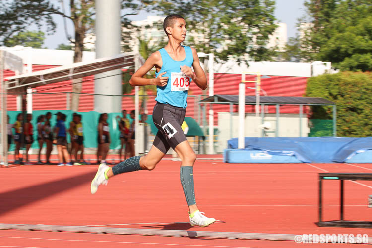 Syed Hussein B Syed Negaib A (#403) of Pasir Ris Sec takes home gold with a timing of 09:44.86. (Photo © Chua Kai Yun/Red Sports)