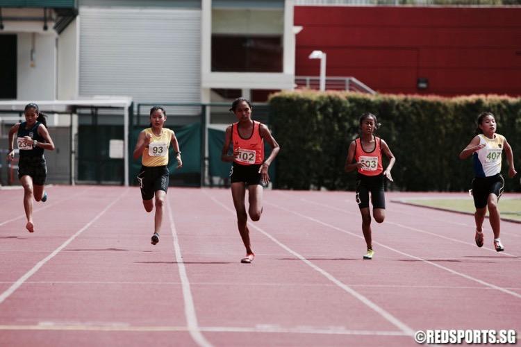 c div girls 200m