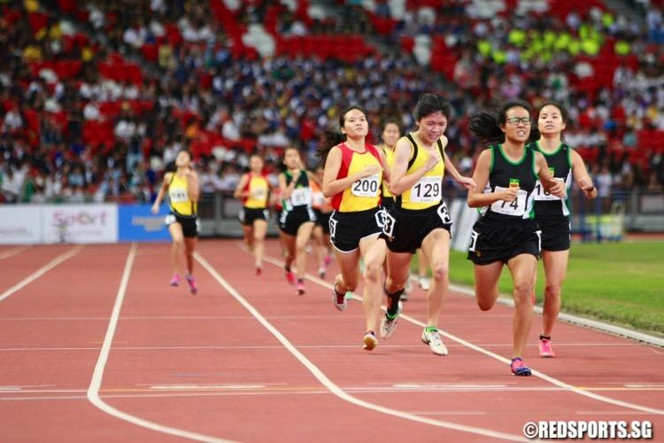 a div girls 800m