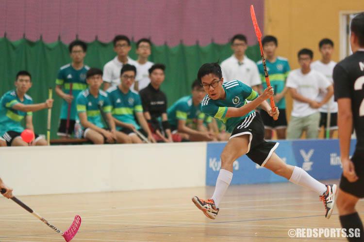 Daniel Wong (TJC #25) narrowing the score deficit to 4-7. (Photo © Chua Kai Yun/Red Sports)