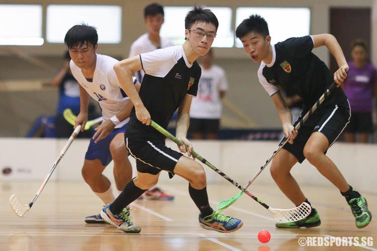Tng Zong Wei (RI #88) going for the loose ball. He later scored the winning goal for RI. (Photo © Chua Kai Yun/Red Sports)