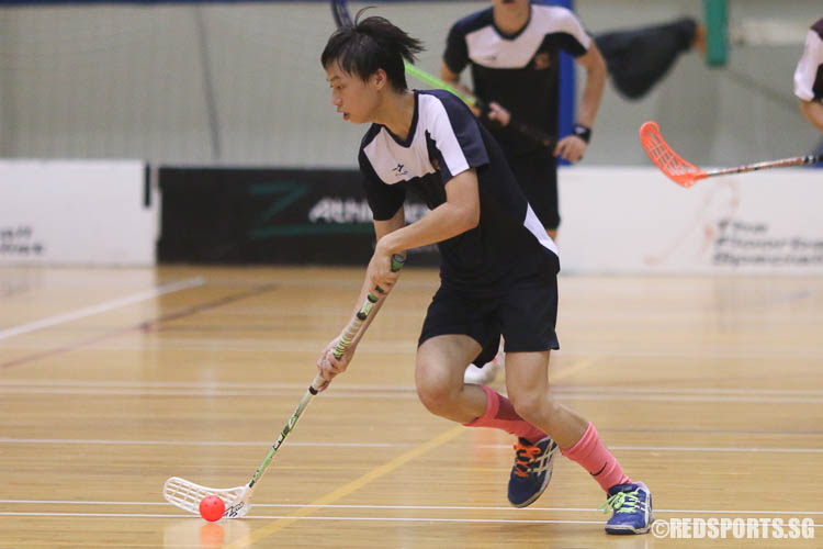 Samuel Ho (#5) in action against VJC. (Photo © Chua Kai Yun/Red Sports)