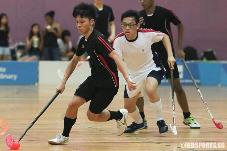 Choy Khun Hean (TPJC #11) steers the ball towards goal after stealing possession. (Photo © Chua Kai Yun/Red Sports)