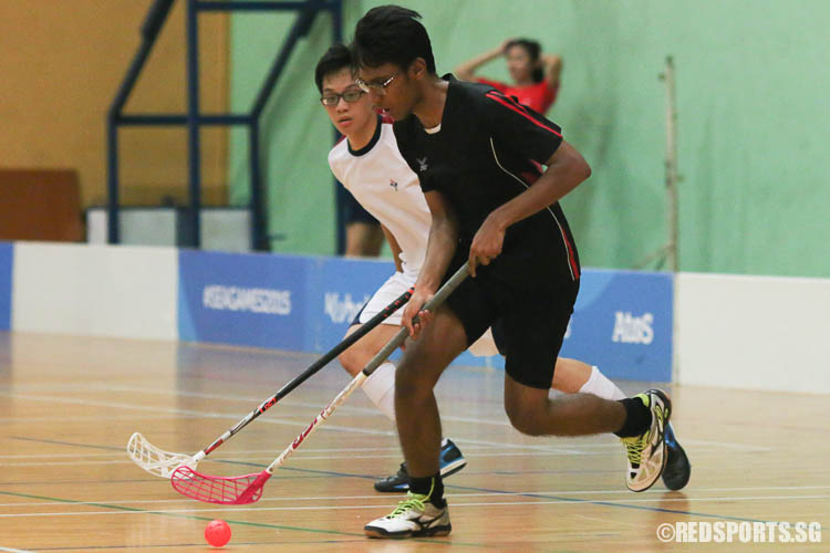 Haressh Nair A/L Prakash (TPJC #8) in action against YJC. (Photo © Chua Kai Yun/Red Sports)