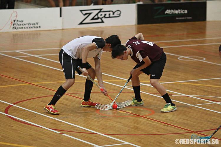 Nicholas Tham (VJC #4) starting the period for his team. (Photo © Ryan Lim/Red Sports)