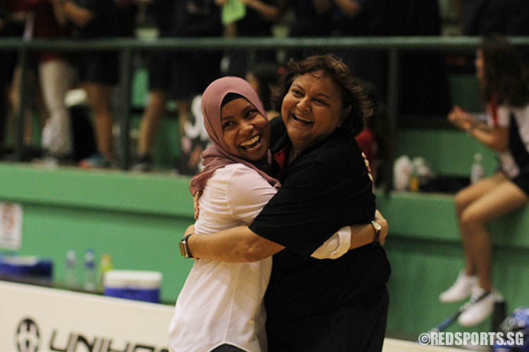 YJC teachers in joyous mood after winning the title.  (Photo © Ryan Lim/Red Sports)