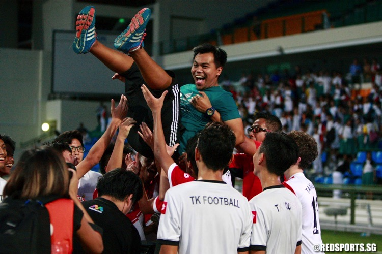 Tanjong Katong celebrate their win. (Photo © Les Tan/Red Sports)