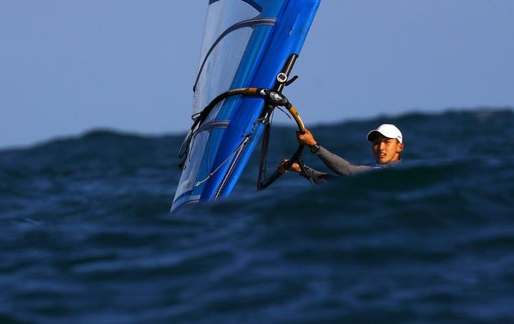 2016 Rio Olympics - Sailing - Preliminary - Men's Windsurfer - RS:X - Race 10/11/12 - Marina de Gloria - Rio de Janeiro, Brazil - 12/08/2016. Leonard Ong (SIN) of Singapore competes. TSRIO2016 REUTERS/Brian Snyder
