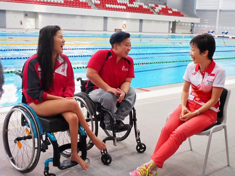 Minister Grace Fu visiting spexScholars swimmers Yip Pin Xiu and Theresa Goh during their training session as they prepare for the upcoming Paralympics 2016 (28Jun 2016)
