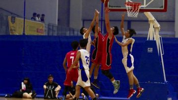 ITE defeated NP 77-58 to win their opening game of the POL-ITE Basketball Championship. (Photo © Les Tan/Red Sports)