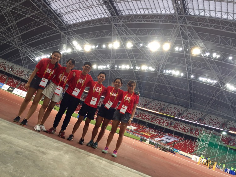 Ryan Lim with fellow Red Crew at the National Stadium to cover the 2016 National Schools Track and Field Championships. L-R: Teo Yun Teng, Chua Kai Yun, Iman Hashim, Ryan Lim, Edina Tan, Denise Chia. (Photo © Les Tan/Red Sports)