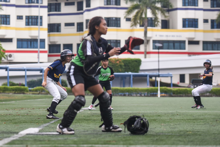 national-a-div-softball-girls-final-2017-acjc-ri