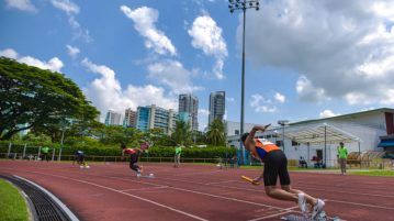 North Vista Secondary took gold in the U-19 4x100m relay race with a time of 46.36s as Temasek Polytechnic came in second with 46.82s and Bishan Park rounded off the podium clocking in at 48.28s. (Photo 1 © Stefanus Ian/Red Sports)