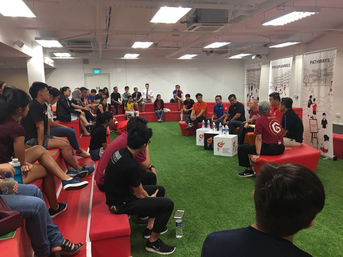 Student-athletes finding out about student life from Singapore university officials at the NYSI Sports Education Huddle on Sat, 24 Feb 2018 at NYSI Satellite @ Kallang. (Photo 2 courtesy of NYSI)