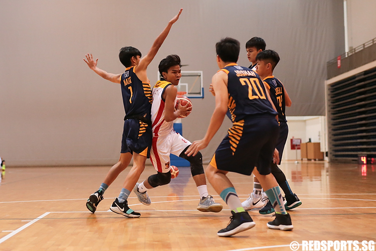 (#8) of ACS (Barker) drives against St. Andrew's. (Photo 2 © Lee Jian Wei/Red Sports)