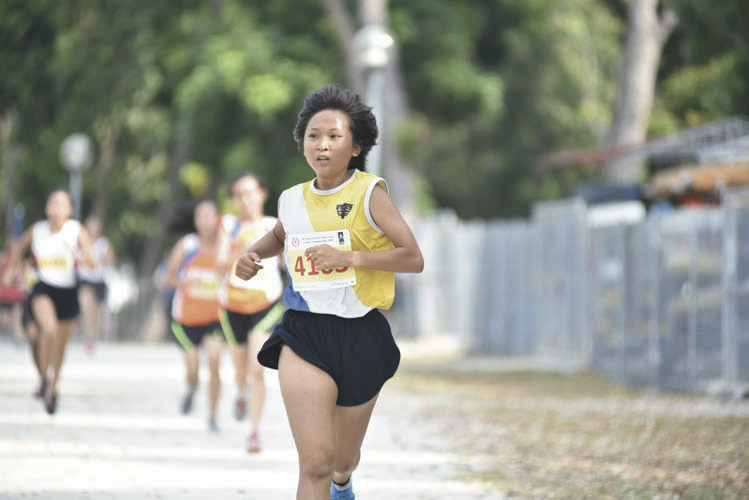 Celeste Ang Jia Hui (#4163) of Nanyang Girls' High School came in third with a timing of 16:41 in the B Division Girls. (Photo © Eileen Chew/Red Sports)