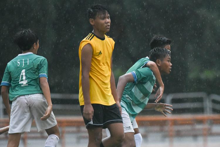 Muhammad Naufal (SJI #4) celebrating his first goal with his teammates for SJI. (Photo © Stefanus Ian/Red Sports)