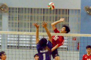 Yeo Jin Ah (PHS #16) with the hard spike over the AMK blocker. (Photo 12 © REDintern Nathiyaah Sakthimogan)