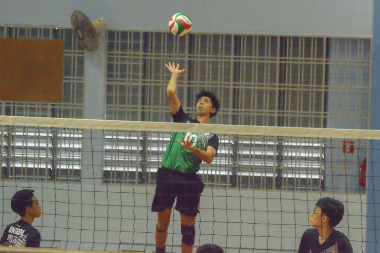PGS spiker (#10) jumps high to spike. (Photo 5 © REDintern Nathiyaah Sakthimogan)