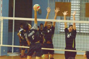 XMS blockers jump high to get the block. (Photo 6 © REDintern Nathiyaah Sakthimogan)