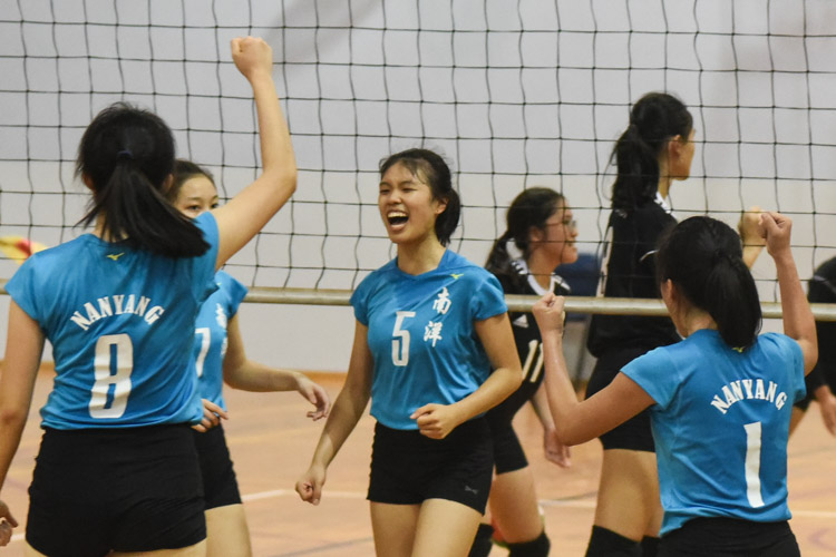 The Nanyang Girls' team celebrating a point during the match. (Photo 1 © Stefanus Ian/Red Sports)