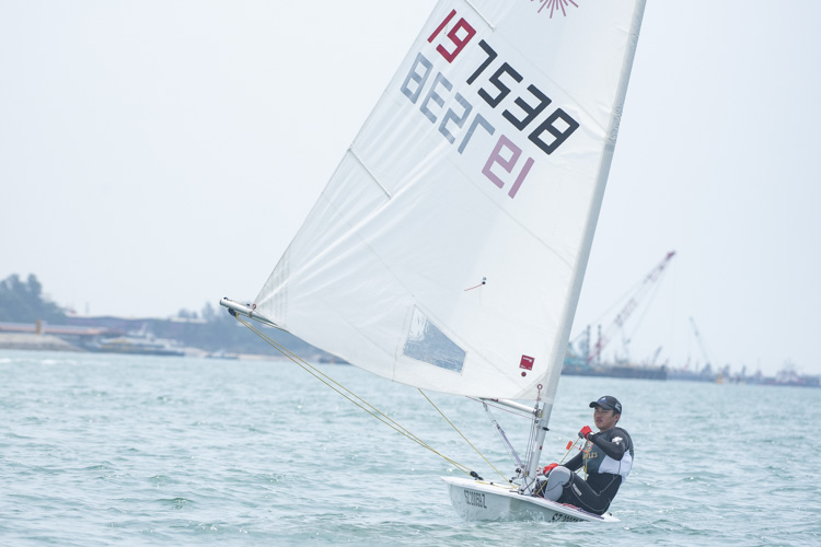 Lu Junrui of Raffles Institution (#197538) came in first with a score of nine points in the A Division Boys' Sailing Championships. (Photo 1 © Stefanus Ian/Red Sports)