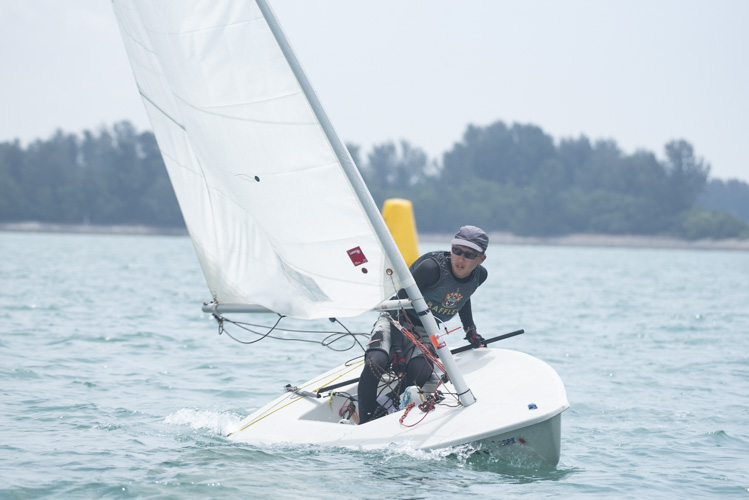 Aloysius Lin of Raffles Institution (#1) came in fourth with a score of 23 points in the A Division Boys' Sailing Championships. (Photo 3 © Stefanus Ian/Red Sports)