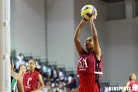 Inarah Hazirah (DMN GA) prepares to shoot against RGS. (Photo © Dylan Chua/Red Sports)