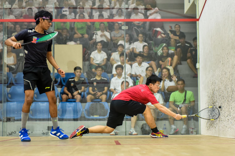 HCI's Wong Zhen Xuan in action during his match against RI's Rau Rutvik Bairavarasu. (Photo © Stefanus Ian/Red Sports)