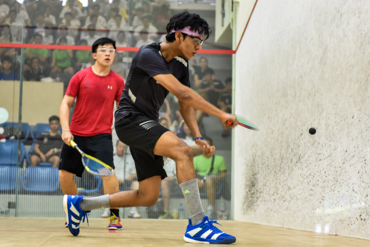 Rau Rutvik Bairavarasu of RI in action during his match against HCI's Wong Zhen Xuan. (Photo © Stefanus Ian/Red Sports)