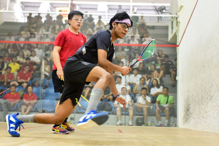 Rau Rutvik Bairavarasu of RI in action during his match against HCI's Wong Zhen Xuan. (Photo © Stefanus Ian/Red Sports)